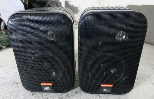 Pair Of Jbl Speakers Control 1x Video Production & Editing Cameras & Photo