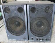 Roland ma-150u speakers amplified (pair)