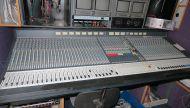 Soundcraft Series 5 48chnnael live sound mixer and meterbridge