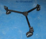 Cartoni wheel dolly for tripods